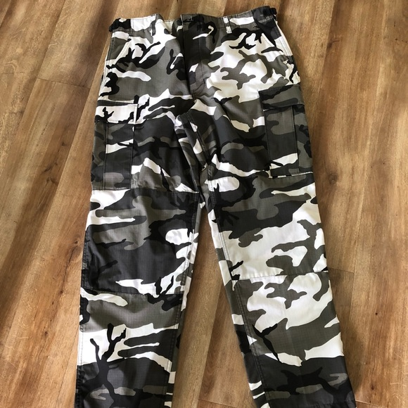 many styles huge sale various kinds of Genuine Gear Cargo Camo Pants